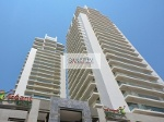 Photo Vacant On High Floor, 2 B/r Available - In Two...