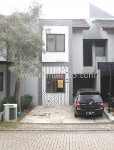 Foto House for sale in BSD Tangerang IDR 1675000---