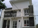 Foto House for sale in BSD Tangerang IDR 3800000-
