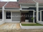 Foto House for sale in Pamulang Tangerang IDR 477000---