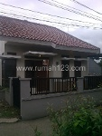 Foto House for sale in Tanah Baru Depok IDR 695000---