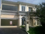 Foto House for sale in Serpong Tangerang IDR 4800000---