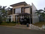 Foto House for sale in BSD Tangerang IDR 4900000---
