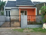 Foto House for sale in Cileungsi Bogor IDR 289000---