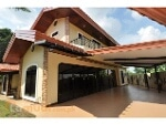 Picture House to buy with 580 m² and 5 bedrooms in...