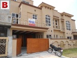 Picture Excellent Houses in Bahria Town Phase-8...