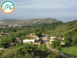 Picture 1 kanal good location house is available in...