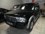 Foto Ford Everest 4x2 Hitam Manual Diesel