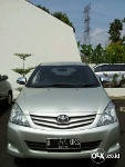 Foto Toyota Innova 2.0 At Thn 2011