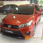 Foto YARIS E Super white n Orange