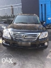 Foto Lexus LX 570 black on black tahun 2012