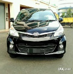 Foto Toyota Avanza Veloz 1.5 At 2013 Hitam Full...
