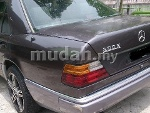 Picture Mercedes Benz E260 (A) 90/94