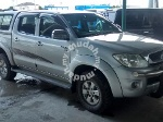 Picture 2009 Toyota Hilux (M) Silver with Canopy