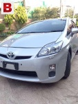 Picture Toyota Prius new shape first owner mint...